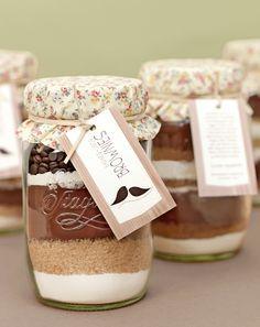 Brownies im Glas - Überraschen Sie Ihre Gäste mit einem ganz besonderen Gastgeschenk!