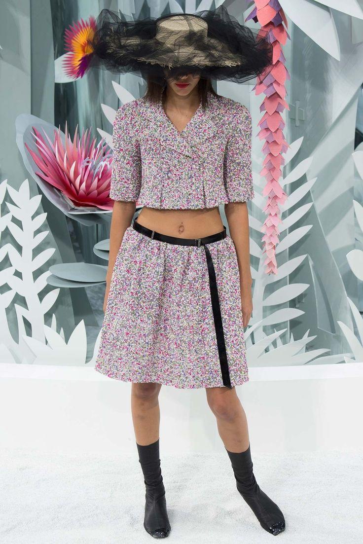 Chanel Spring 2015 Couture Fashion Show - Binx Walton (Next)