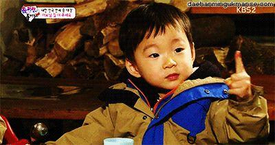 Daehannie is so cute! #daehan #minguk #manse #song #triplets #brothers #kpop