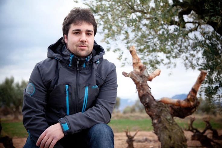 La empresa riojana lanza su nueva gama Experiencias de Paco García, una apuesta por acercar a los clientes a la elaboración de distintos vinos a través de una edición limitada de 8.000 botellas