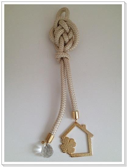 """Μπομπονιέρα γάμου """"Χρυσό σπίτι"""" (GBW9574G) - http://goo.gl/EH2TGb - http://lovelyevents.gr/wp-content/uploads/2013/11/GBW9574G-22-11-2013.jpg"""