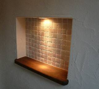 ニッチとは…隙間に作る小さな飾り棚のこと。写真は富山総合建築さんのもの。奥行きも数センチから作れますし、見栄えもいい。他にも窓を綺麗に塞ぐ方法、隠す方法あ...