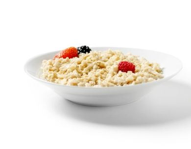 Oatmeal Start your day with a bowl of energy-boosting oatmeal. One cup of oatmeal contains 61 mg of magnesium.