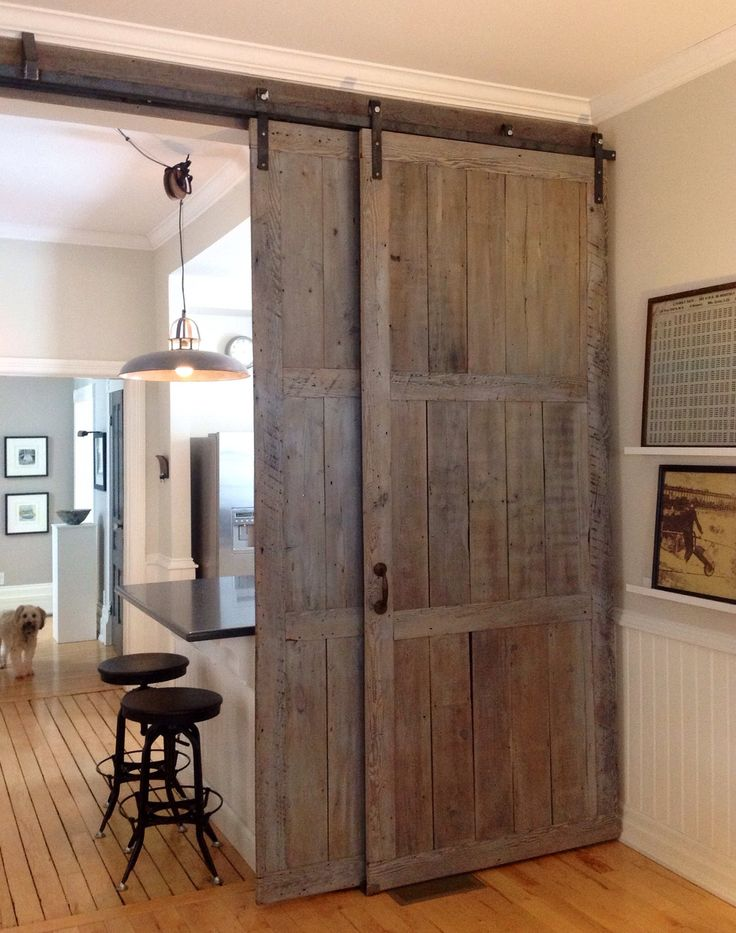 Barn doors and pulley light diy pinterest pulley for Decor barn doors