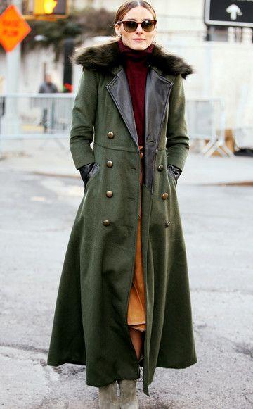 Der bodenlange Mantel: It's all about Maxi! Bodenlange Röcke, Hosen und auch Mäntel sinddiese Saison ein zentraler Trend. Ein echtes Statement-Piece ist das Modell im Military-Stil mit XL-Kragen, das Olivia Palermo auf der New Yorker Fashionweek trägt. Tipp für den Kauf: Mit flachen Schuhen anprobieren – so gehen Sie sicher, dass der Mantel nicht zu lang ist.