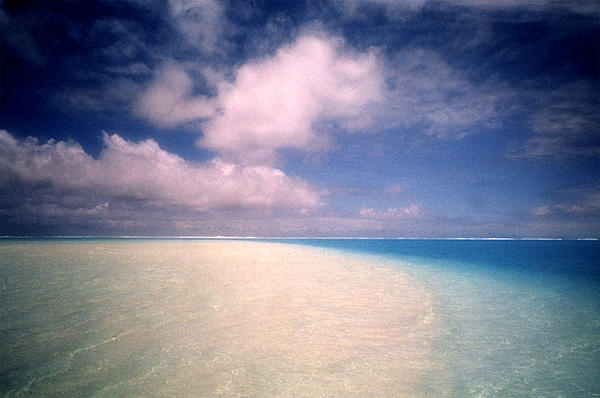 Aitutaki! I would love to go again! SOON! Photograph by Tina Winterlik © 1999  http://zipolitazphotoz.blogspot.ca/