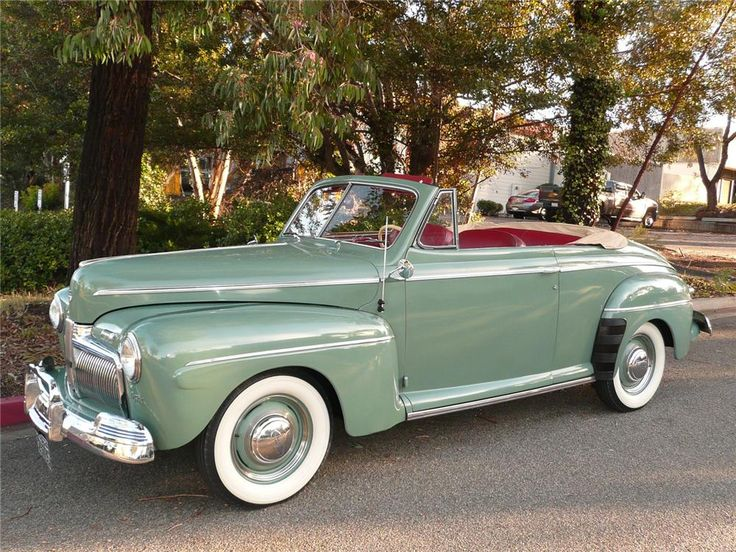 1942 Ford Super Deluxe convertible - (Ford Motor Company, Dearborn, Michigan 1903-present)