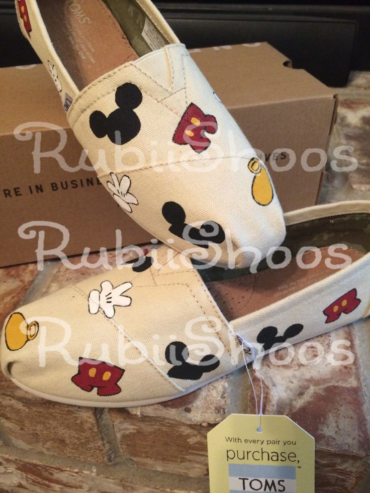Mouse Head, Gloves, Ears, Shoe, and  Pants on Toms - pinned by pin4etsy.com