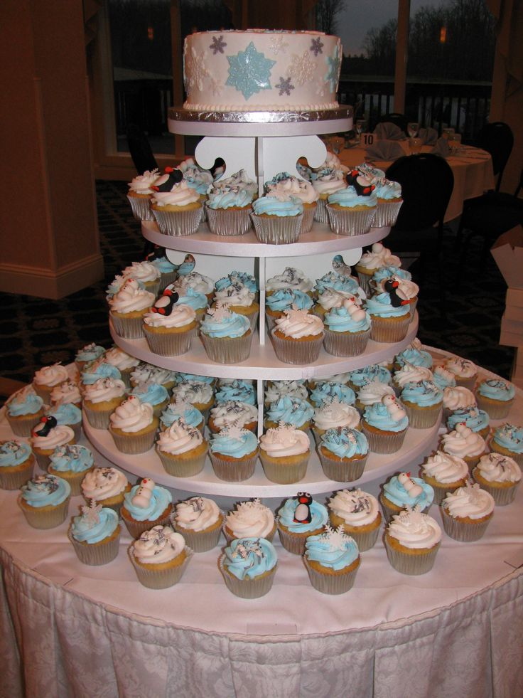 Cupcake Decorating Ideas For Sweet 16 : 25+ best ideas about Sweet 16 cupcakes on Pinterest ...