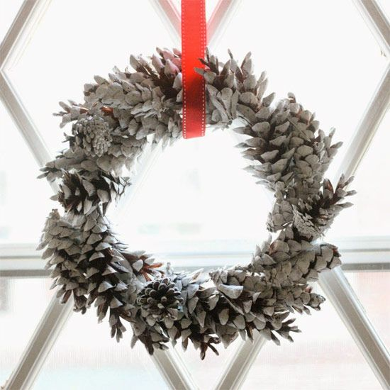 Make these gorgeous chalky-finish pine cone wreaths for next to nothing with this simple tutorial!