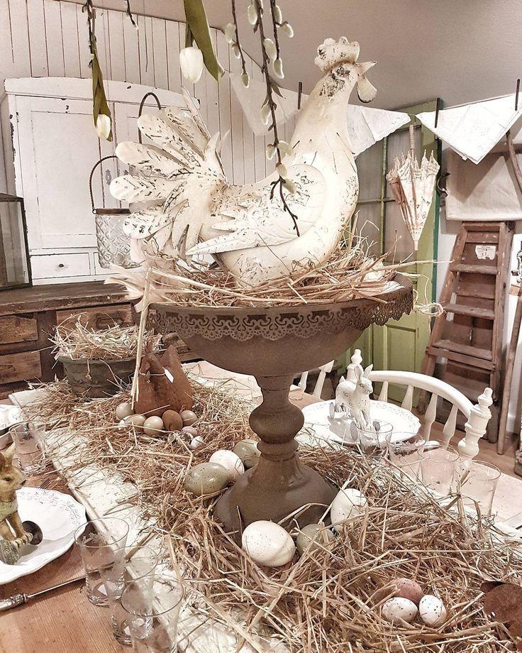 Kvällsbild från butiken #levvackert  Bordet är dukat till Påskfest. Varsågod och sitt kära gäster. Många påskkramar till er där ute❤