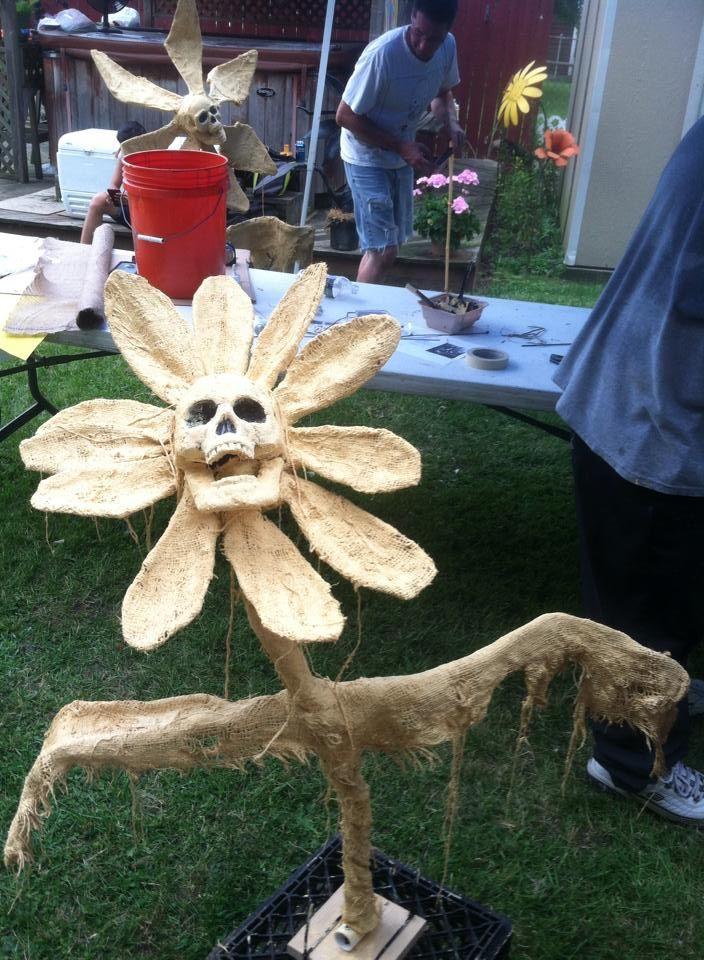 .skull flowers idea for a DIY - dead link
