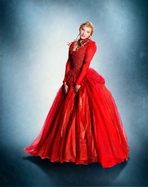 La Belle Et La Bête 2014 Photo: La Belle robe rouge
