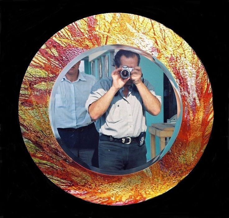 Χειροποίητη δημιουργία μου σε γυαλί με βαφή σε κλαδιά-υπάρχει δυνατότητα διαφοροποιήσεων.