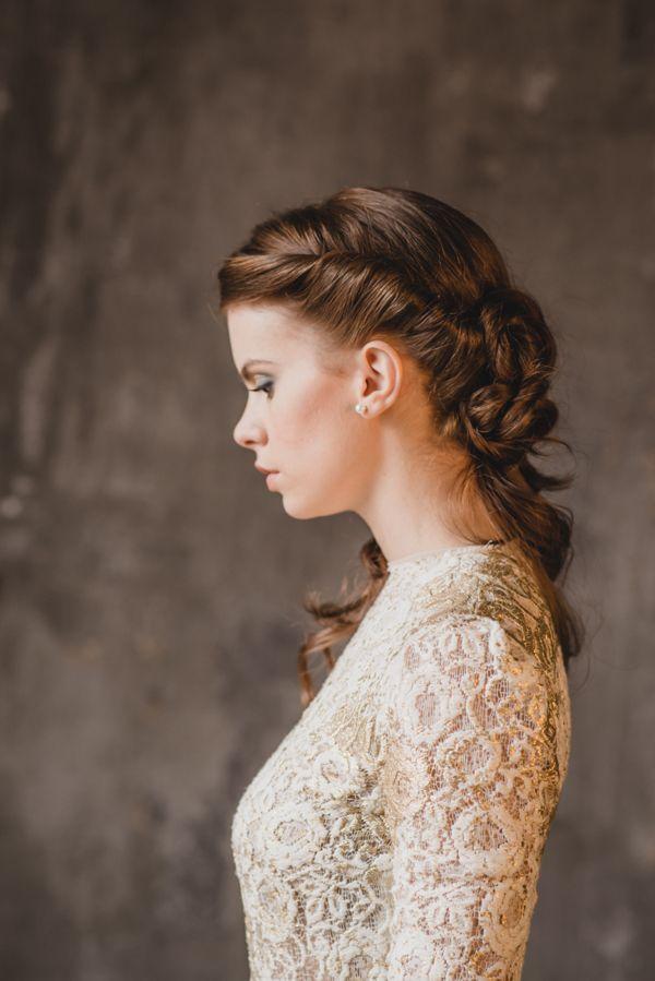 Vintage-inspired bridal hair