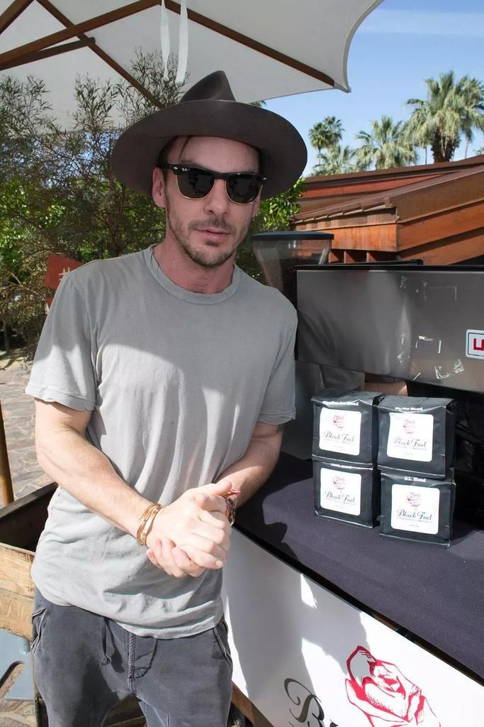 @ShannonLeto Come to Russia with Black Fuel please