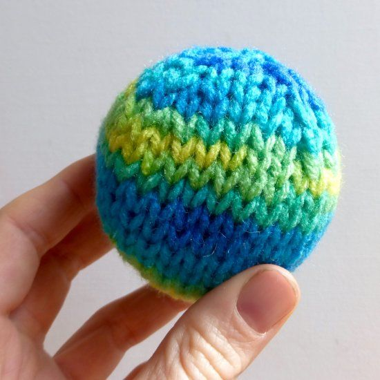 Knitting Toys In The Round : Use this easy pattern for a knit ball to create the
