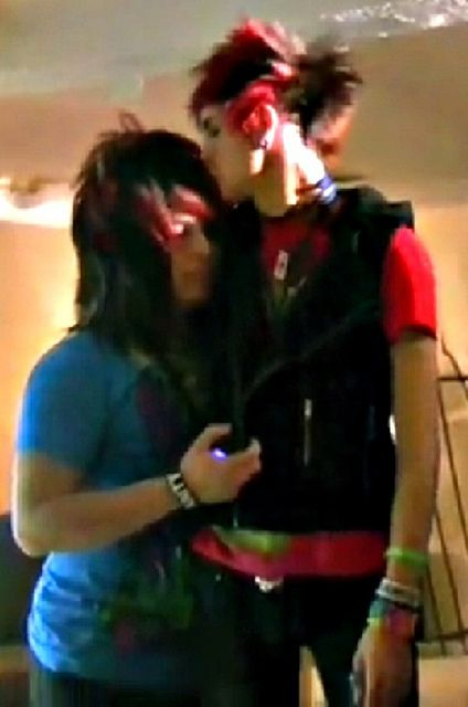 Ok so I just have to say that I really love this picture and it's one of my favorite pics of dahvie and Jayy (even though it's old) because I love how protective Jayy looks of dahvie in this picture. He's got an arm around him and it looks like he's kissing his forehead like he's assuring him that everything's ok and I feel like that's a side of Jayy we don't see very often. ☺️ ok my rant is over. Feel free to criticize it (I don't really care) ;)