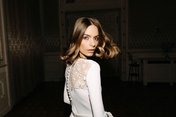 Lace Back Wedding Bodysuit made of ivory lycra