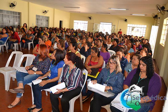 Prefeitura de Seropédica capacita Manipuladoras de Alimentos da Secretaria de Educação