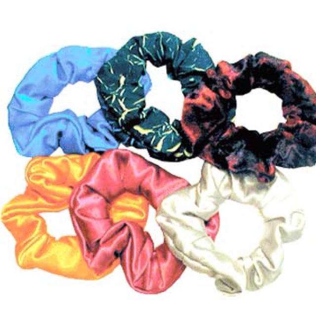 hair scrunchies 90 39 s 90s kids childhood my childhood. Black Bedroom Furniture Sets. Home Design Ideas