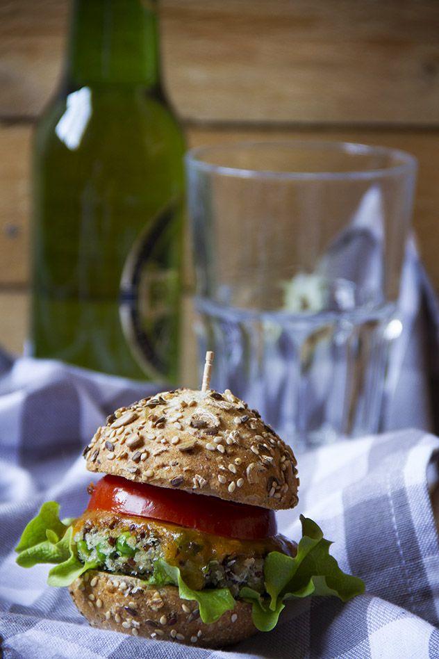 Burger vegetariano di quinoa e piselli