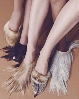Fashion Pills  Tendenze Autunno/Inverno 2016-2017: calzature in pelo. Get it!