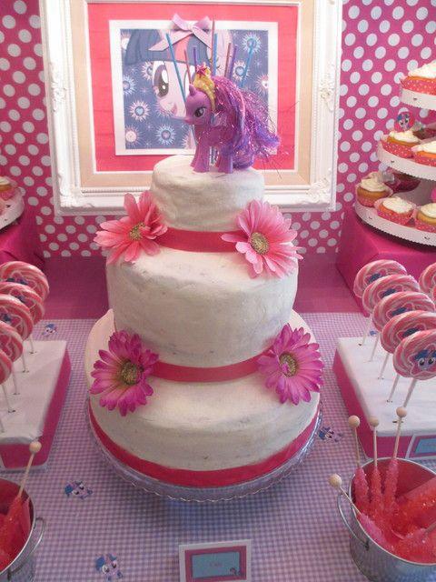 Cake at a My Little Pony Party #mylittlepony #partycake