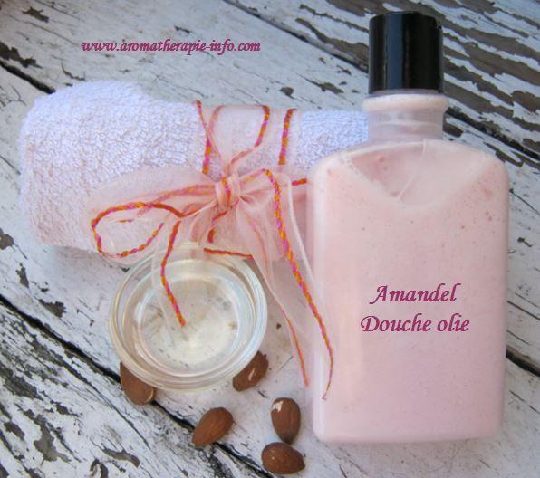 Deze amandel douche olie is een heerlijk zachte, licht schuimende douche olie die je zelf je eigen geur kunt geven met je favoriete etherische olie.