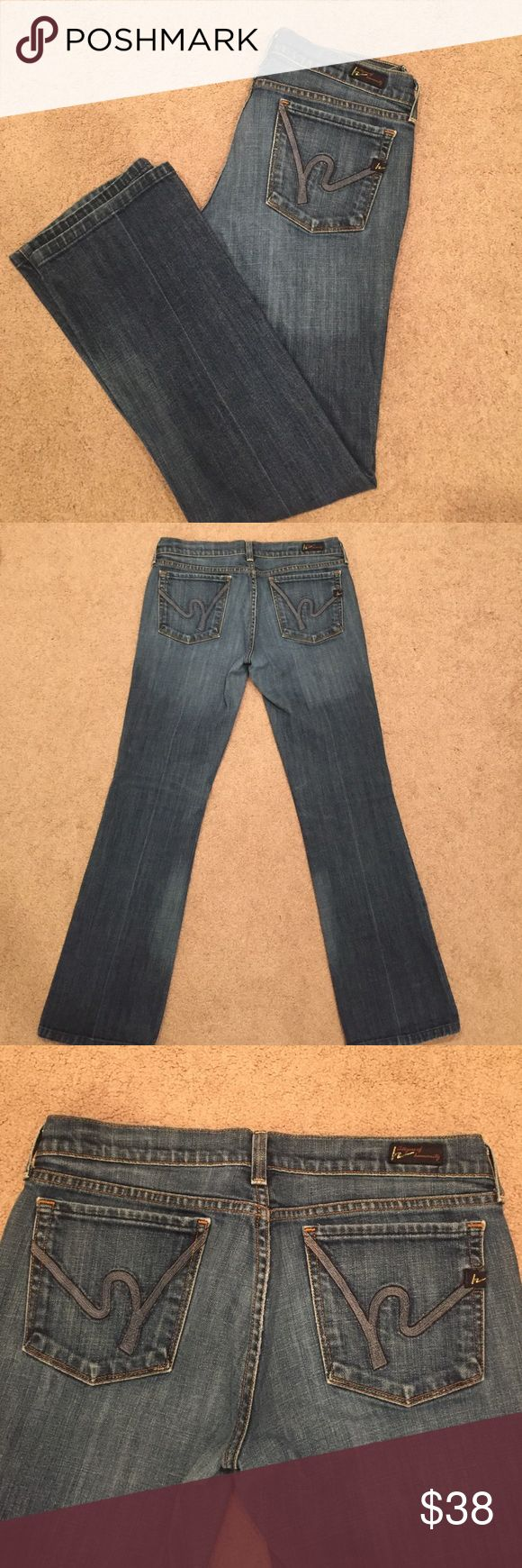 Citizens of Humanity Women's Jeans Citizens of humanity low waist boot cut. Margo #085 Great condition! One tiny speck of red polish on right thigh (shown in picture) Citizens of Humanity Jeans Boot Cut