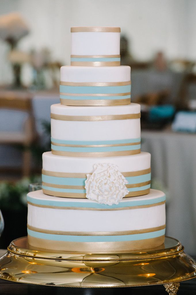 wedding cakes in lagunbeach ca%0A just another idea  Graphic teal and gold striped wedding cake  Photo by  Dear Wesleyann via Project Wedding