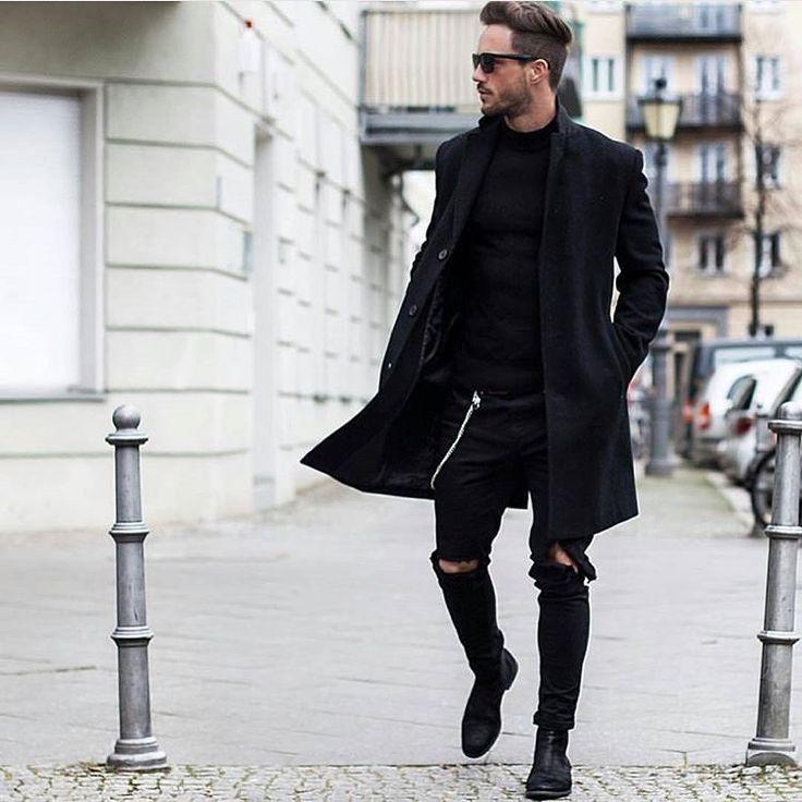 Black on black on black by @magic_fox ⚫️✔️…