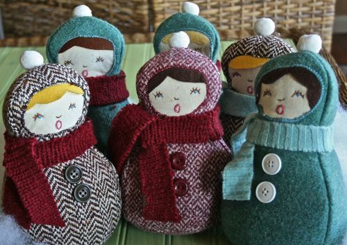 Virginia of Gingercakes shares her pattern and tutorial for these cute plush carolers. They are made from repurposed materials and, she adds, look great when clustered on a mantle or shelf.