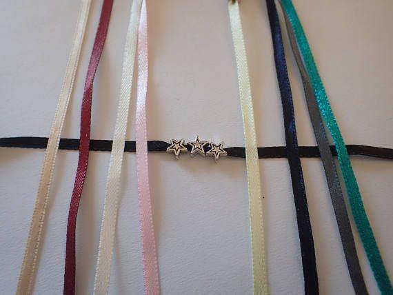 Retrouvez cet article dans ma boutique Etsy https://www.etsy.com/fr/listing/514335610/bracelets-etoiles-bracelets-en-satin