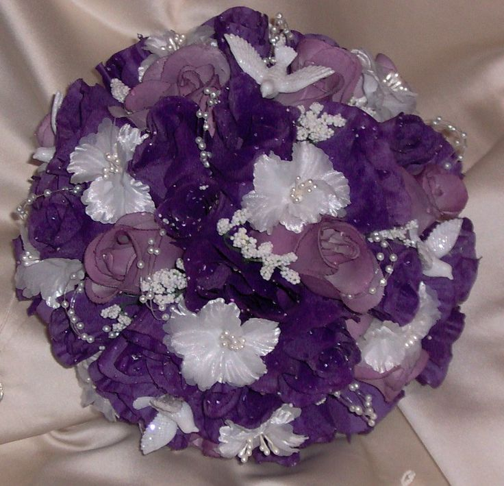 Elegant Purple Violet Wedding Bouquet Eye