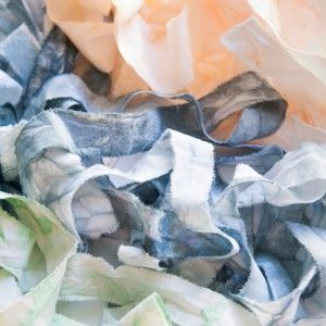 DIY-ripped-dyed-muslin-ribbon_featured