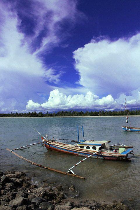 Sampan Nelayan Di Tiku by Sγɑʍsµℓ Pµтʀɑ on 500px
