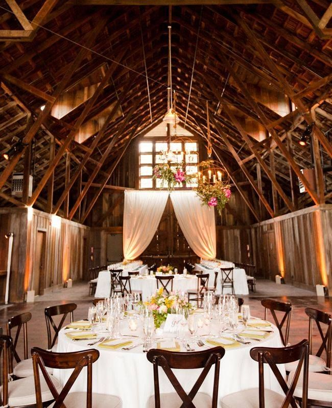 30 Intimate And Lovely Barn Wedding Reception