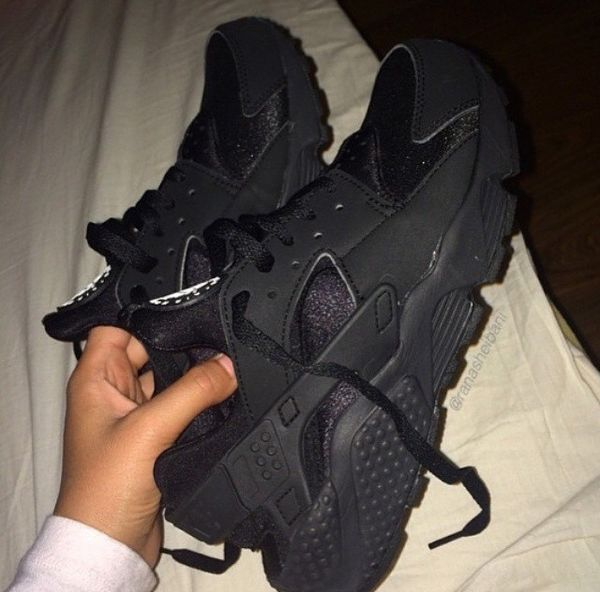 All black huaraches