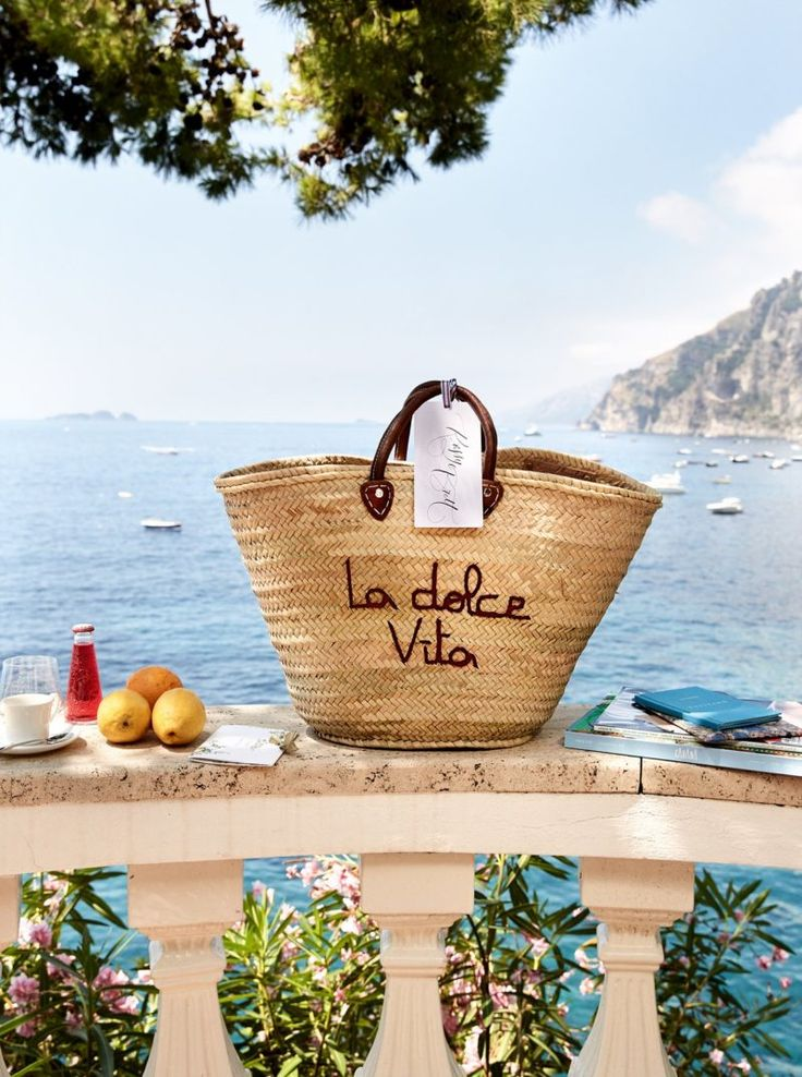 LA DOLCE VITA - Mark D. Sikes: Chic People, Glamorous Places, Stylish Things