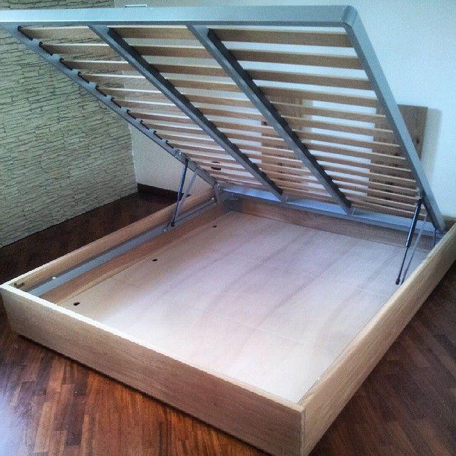 Bed in Oak designed and built by Tommaso Schiuma. www.schiumapostdesign.com