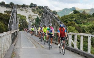 Cycling Manawatu Bridge