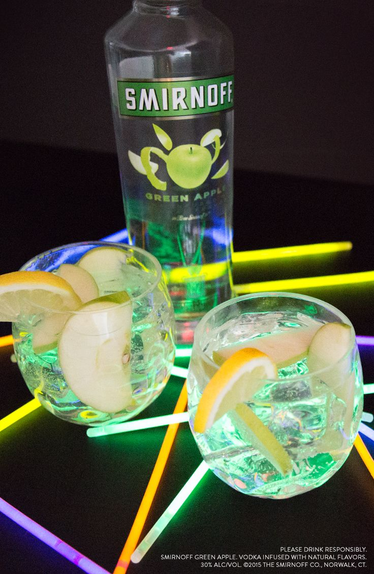 Mix up a tasty Green Apple punch that's perfect for summer parties and every kind of dance floor. Ingredients: 1.5 Cups Smirnoff GREEN APPLE, 2 Cups ® Spray White Cranberry Juice Cocktail, 1.5 Cup Soda, Lemon Juice, Apple Slices, Serves 8