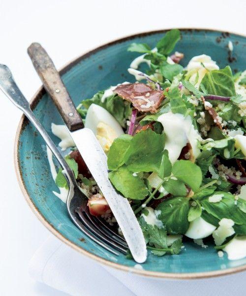 Salade met gebakken spekjes, oude kaas en ei | NatureCrops