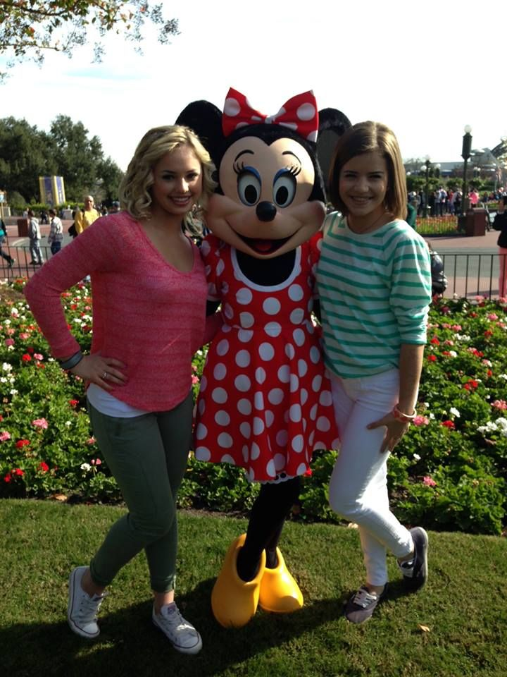Victoria Baldeserra, Brittany Raymond and Minnie Mouse at Disney