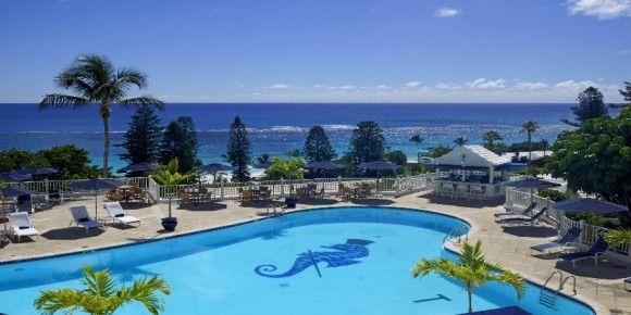 Elbow Beach Bermuda Resort este situata pe una dintre plajele purpurii din faimosul South Shore din Bermuda, locatie perfecta pentru Valentine's Day.
