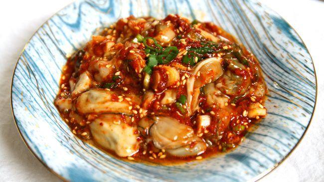 Seasoned Fresh Oysters (Gulmuchim: 굴무침) recipe - Maangchi.com