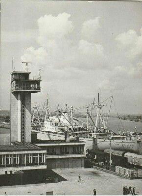 Gdynia - Kpitanat port Fot. Z. Koscarz Wyd. Biuro Wydawnicze RUCH Kartka wysłana 16.04.1970