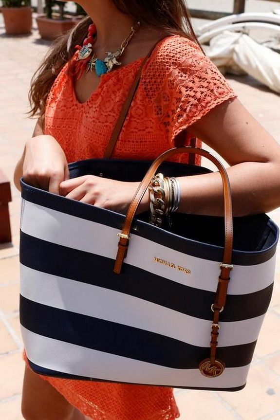 2015 Cheap MK handbags!! More than 60% Off!!! Pretty cool. $45.99