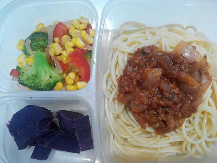 Special lunch box for beloved fam